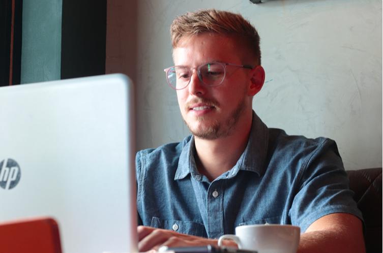 hire marketing freelancers